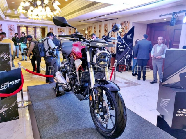 Honda CB300R phien ban Accessories vua duoc gioi thieu voi nhieu trang bi hap dan - 4
