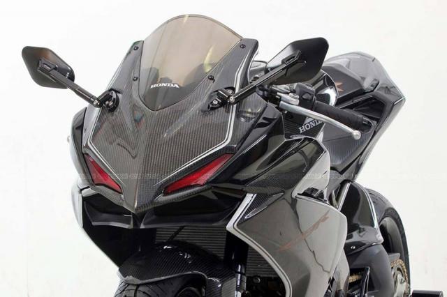 Honda CBR250RR do doc nhat vo nhi voi dan chan gap don Special