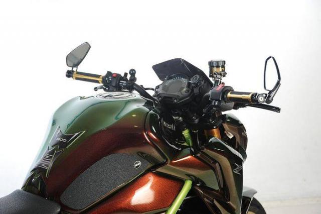 Kawasaki Z900 do tong mau la cung dan do choi sieu khung - 5