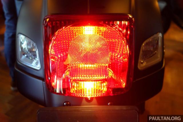 Phien ban Vespa Notte 2019 GTS Super 300 va Sprint 150 iGET vua trinh lang voi gia tu 100 trieu - 13