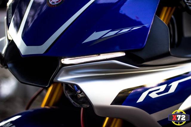 Yamaha R1 do het bai day noi bat voi loat trang bi khung cua Biker xu bien