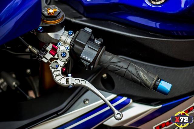 Yamaha R1 do het bai day noi bat voi loat trang bi khung cua Biker xu bien - 5