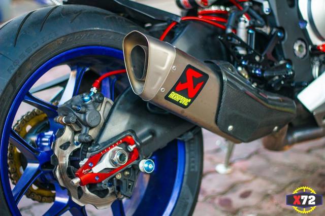 Yamaha R1 do het bai day noi bat voi loat trang bi khung cua Biker xu bien - 13