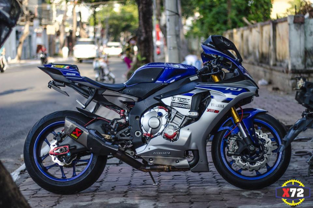 Yamaha R1 do het bai day noi bat voi loat trang bi khung cua Biker xu bien - 15