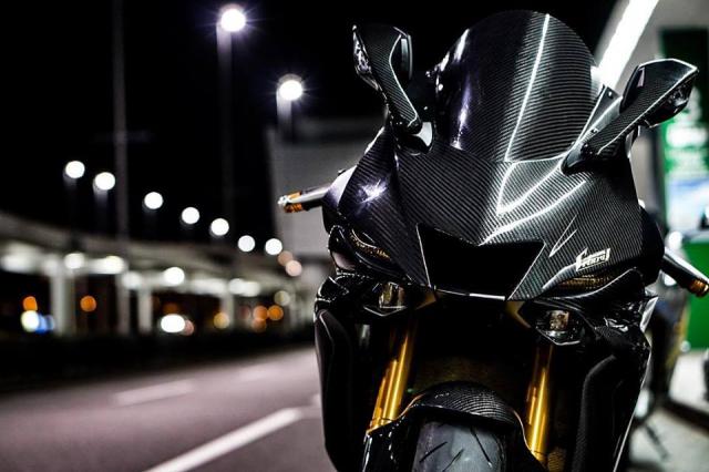 Yamaha R6 do Man nhan voi body full Carbon hiem thay
