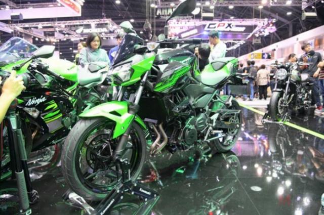 BIMS 2019 Gia xe Kawasaki Z400 2019 tai thi truong Dong Nam A vo cung hap dan - 3