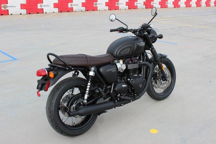 Can ban Triumph BONNEVILLE T120 BLACK 2018 nguyen ban - 4