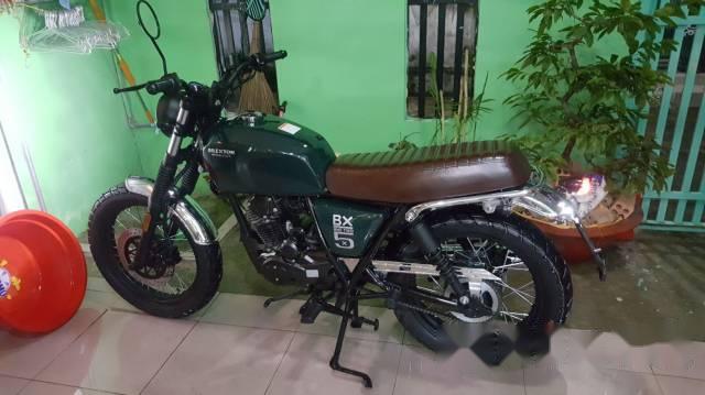 Can tien nen minh ban xe moto hieu Brixton Bx 125cc Classic minh it dung xe con rat moi