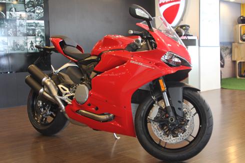 Chuyen thanh Ly Cac loai xe Ducati 1299 Hai Quan Gia re