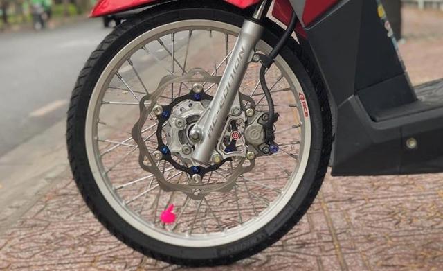 Click 125i do manh bao so trai 58 de giao tra sua cua biker Sai Gon - 6