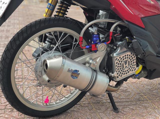 Click 125i do manh bao so trai 58 de giao tra sua cua biker Sai Gon - 8