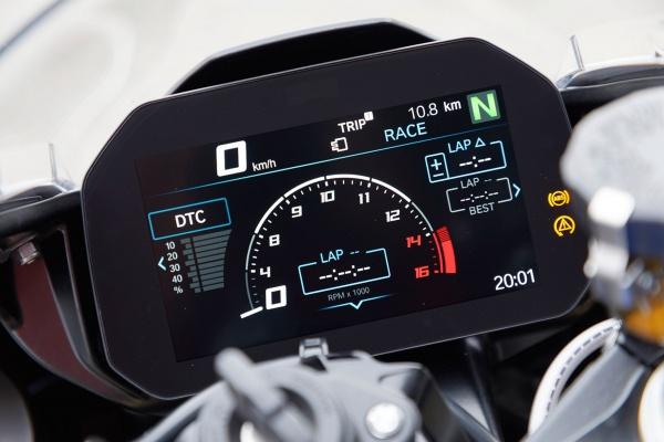 Danh gia BMW S1000RR 2019 mot trong nhung Superbike thu vi nhat trong phan khuc - 7