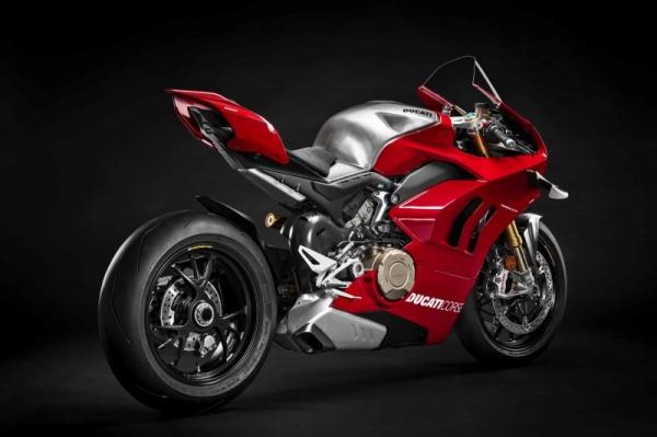 Ducati Panigale V4 R ke danh bai tat ca cac doi thu tai WSBK duoc rao ban voi gia hon 2 ty - 11