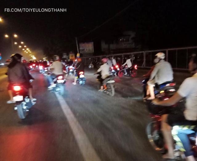 Hang tram quai xe nao loan QL 51 trong le hoi Dinh Co tai Vung Tau
