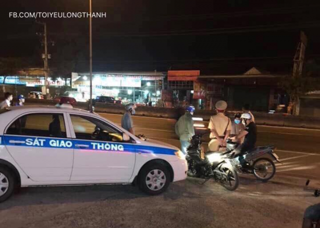Hang tram quai xe nao loan QL 51 trong le hoi Dinh Co tai Vung Tau - 6