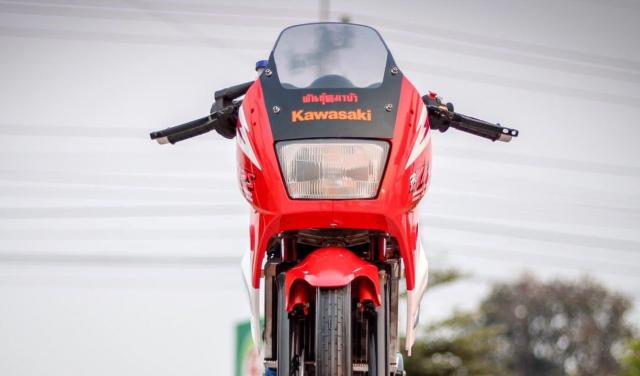 Kawasaki Kips 150 do dan chan mang ve dep kho cuong khoe dang trong nang mai