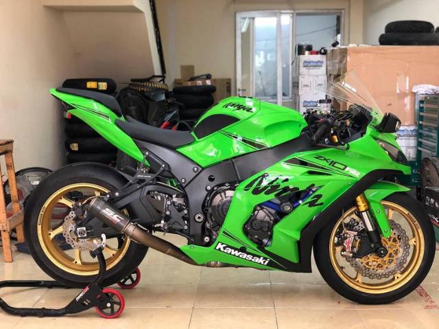 Kawasaki ZX10R phien ban do xanh la dam chat Racing
