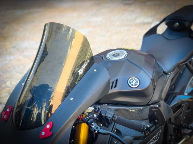 Man nhan voi sieu pham Yamaha R1 mien tay song nuoc don phong cach chay Track - 4