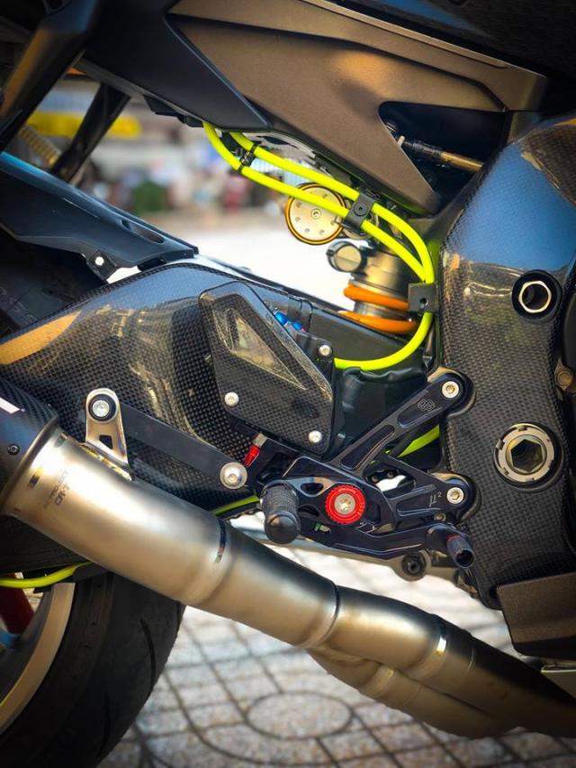 Man nhan voi sieu pham Yamaha R1 mien tay song nuoc don phong cach chay Track - 11