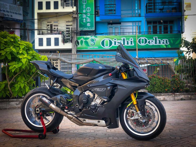 Man nhan voi sieu pham Yamaha R1 mien tay song nuoc don phong cach chay Track - 24