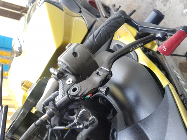 Xe moto Yamaha R1 - 5