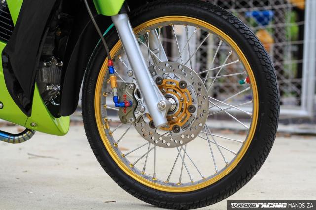Wave 125 do con ket xanh voi option do choi cang det cua biker Thai - 6
