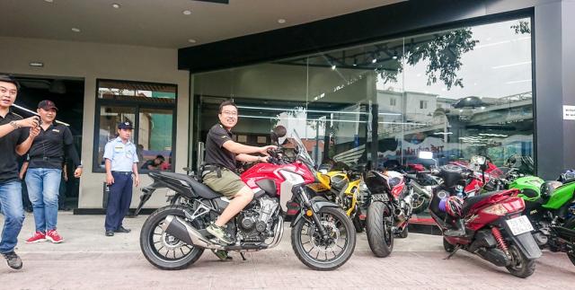 Dap thung Honda CB500X 2019 dau tien ve Viet Nam - 6