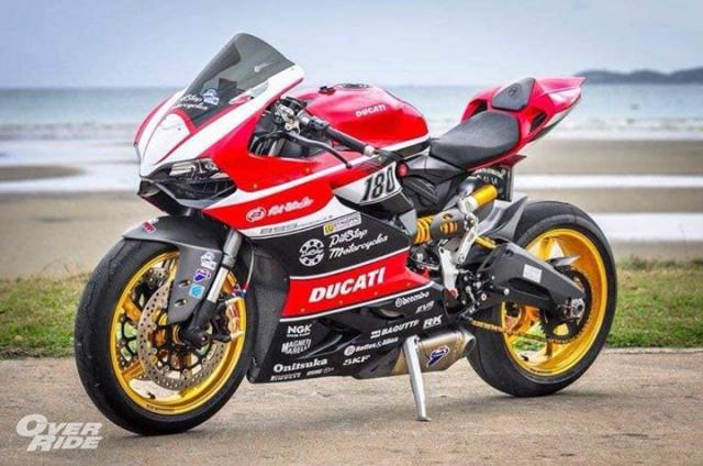 Ducati Panigale 899 do kich tinh voi cau hinh WSBK