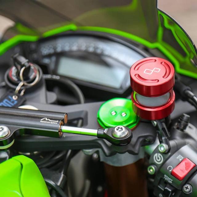 Kawasaki ZX10R voi ve dep tiem an kho phai theo thoi gian - 4
