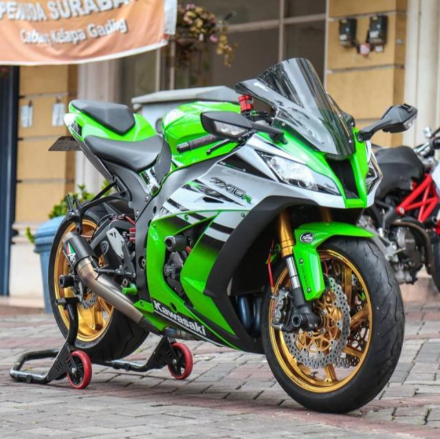 Kawasaki ZX10R voi ve dep tiem an kho phai theo thoi gian - 10
