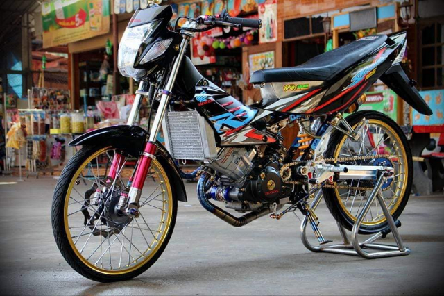 Sonic 125 so huu cuc may CBR cuc chat cung dan do choi hang hieu - 18
