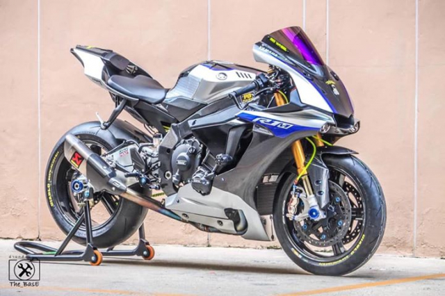 Yamaha R1M do loi cuon voi day ap cong nghe dinh cao - 4