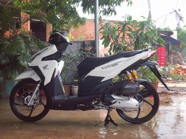 Click 125 do day chat choi khoe dang trong con mua chieu - 3