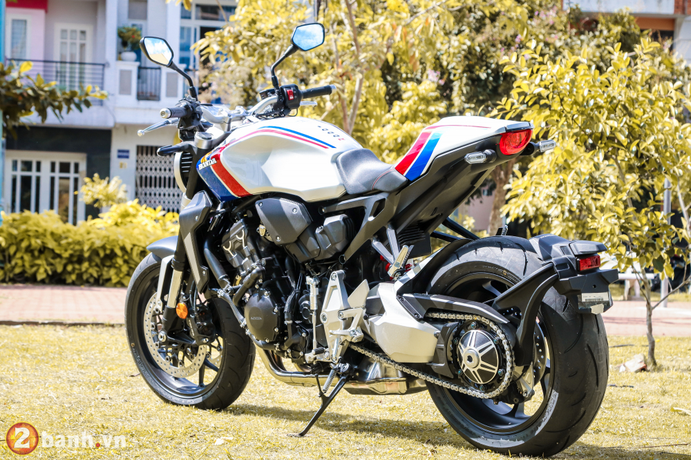 Can canh Honda CB1000R Limited Edition 2019 vua ve Viet Nam - 14