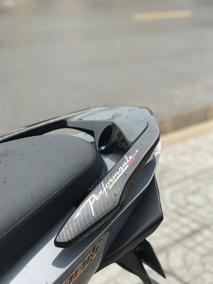 Vision do cuon hut nguoi xem voi gam mau xi mang cua biker Vung Tau - 9