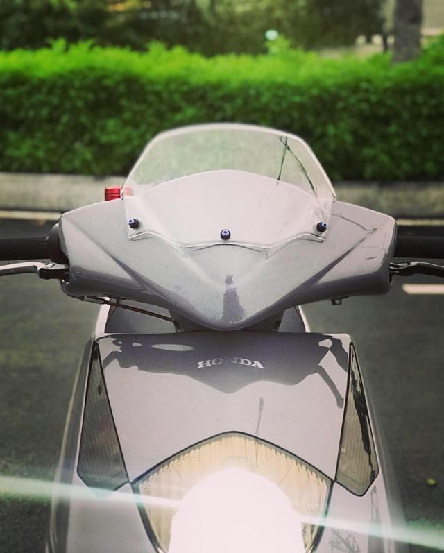 Honda Dylan vang bong mot thoi lot xac ngoan muc nho loat do choi hang hieu - 3