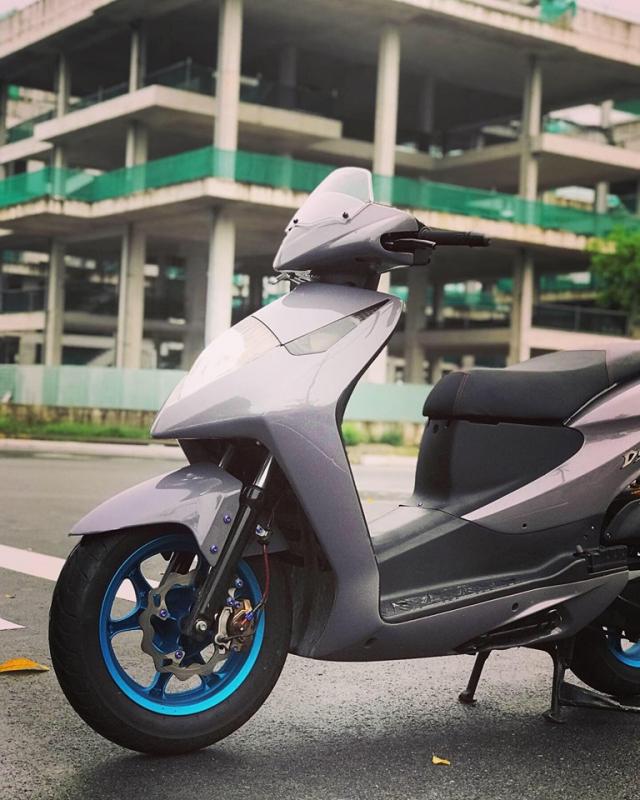 Honda Dylan vang bong mot thoi lot xac ngoan muc nho loat do choi hang hieu - 6