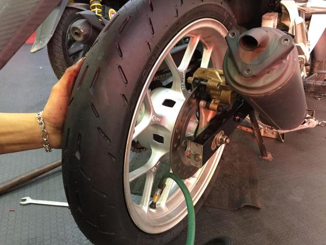 Vo xe Michelin City Grip cho Honda Lead San sang cho mua mua - 5