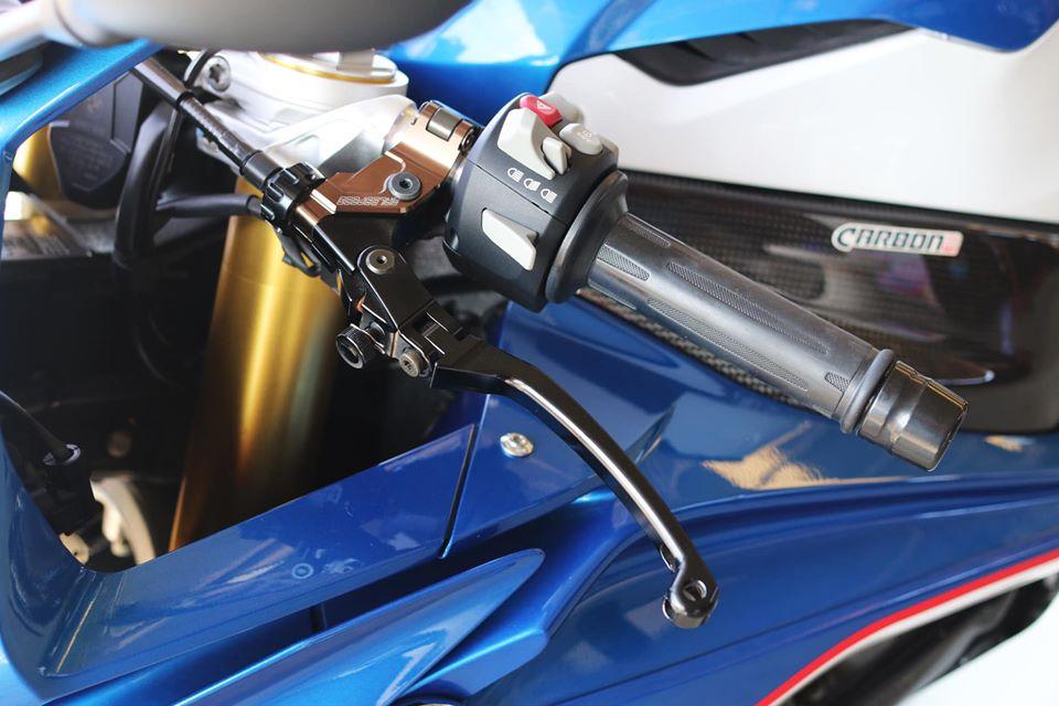 BMW S1000RR do chat choi voi dan trang bi hieu nang cao - 6