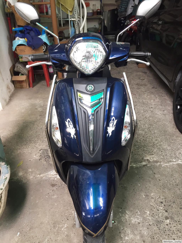 Xe Yamaha Grande xanh duong con moi nguyen