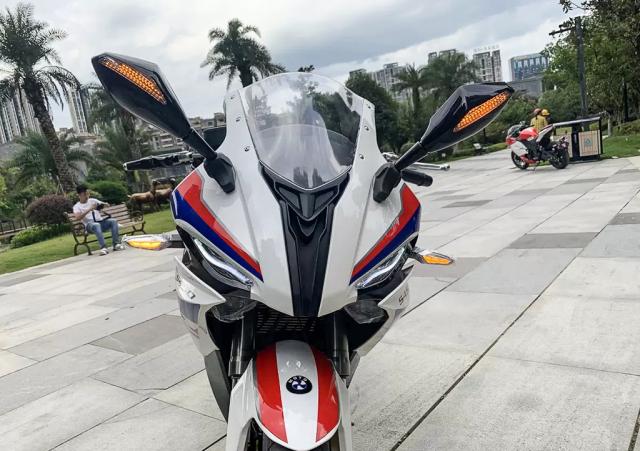 BMW S1000RR phien ban nhai mang ten S450RR den tu Trung Quoc