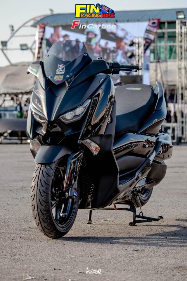 Yamaha XMAX 300 do phong cach mau den Dark Bug - 3