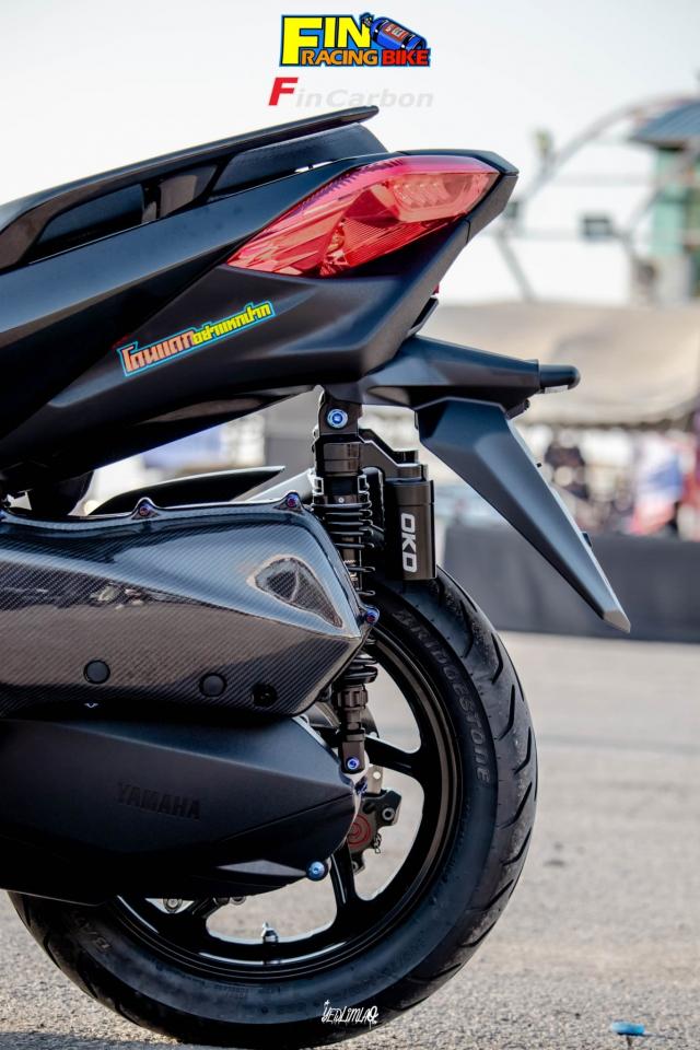 Yamaha XMAX 300 do phong cach mau den Dark Bug - 11