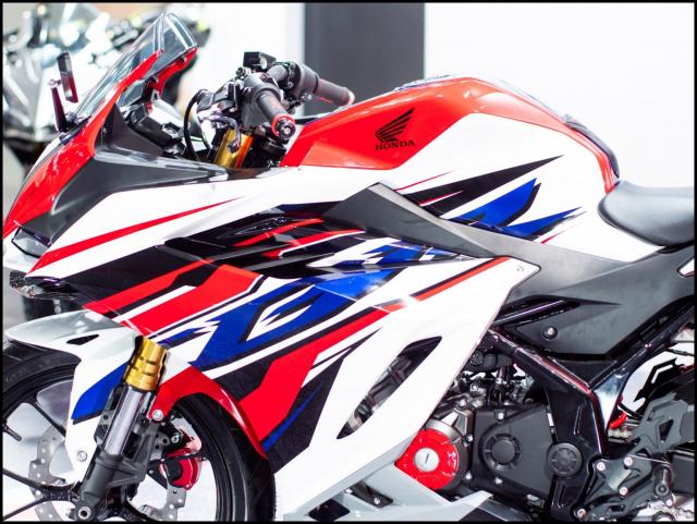 Can canh hai chiec CBR150R 2021 do chinh hang tu Honda - 7