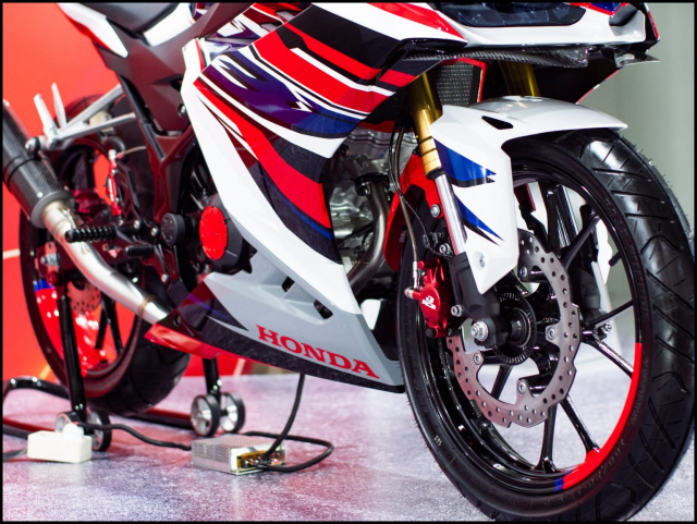 Can canh hai chiec CBR150R 2021 do chinh hang tu Honda - 11