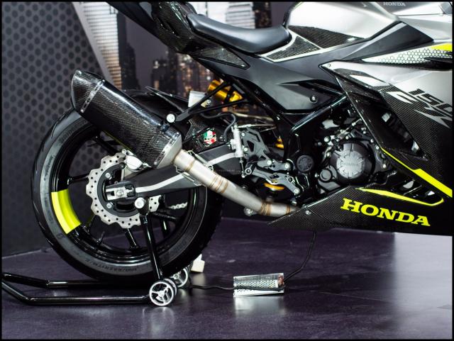 Can canh hai chiec CBR150R 2021 do chinh hang tu Honda - 29