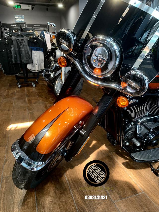 Harley Davidson Heritage Classic 114 Scorched Orange Silver Flux - 4