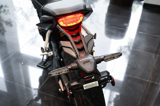 Honda CB650R 2021 Danh gia thuc te nhung thay doi tren xe - 4