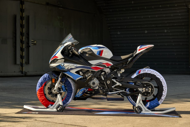 So sanh Honda CBR1000RRR SP BMW M1000RR Kawasaki Ninja ZX10RR - 7