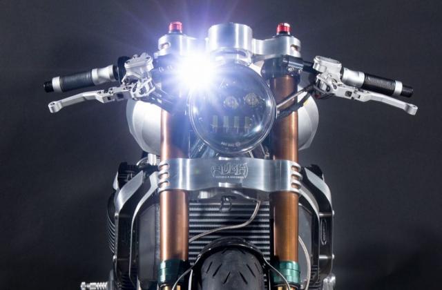 Suzuki GSX1400 do cafe racer den tu Augh Design - 3